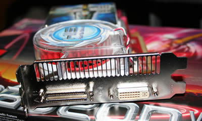 The HIS x1900 Crossfire Edition has one DVI and one special connector for the Crossfire cable